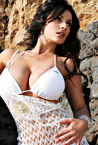 Find And Date Eye-Catching Single Women